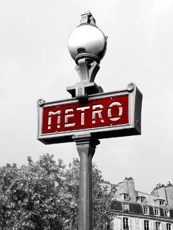 Metro in Paris (Red) Border