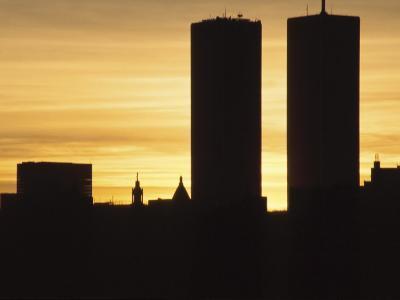 Silhouette of the Manhattan Skyline and World Trade Center at Dusk, New York City, America