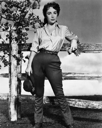 Elizabeth Taylor standing in Classic