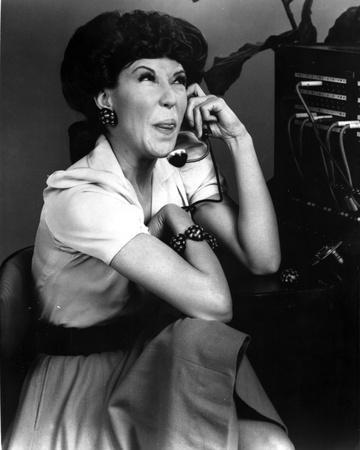 Lily Tomlin Calling in Classic
