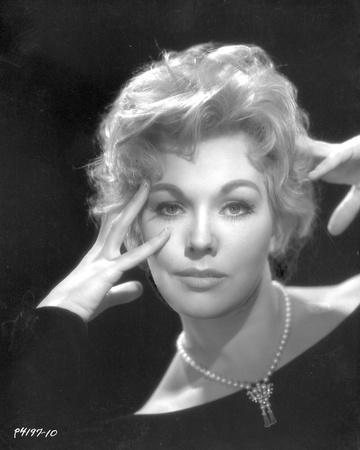 Kim Novak Posed wearing Black Fit Outfit