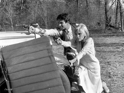 A scene from Bonnie and Clyde.