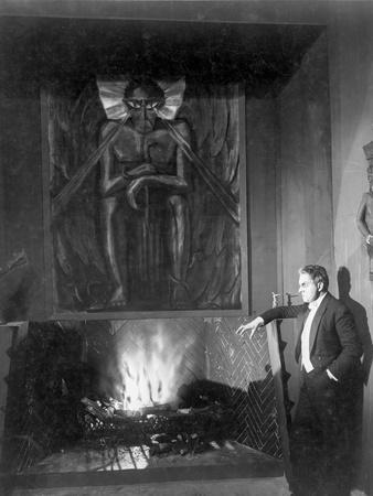 A scene from Dr. Mabuse the Gambler.