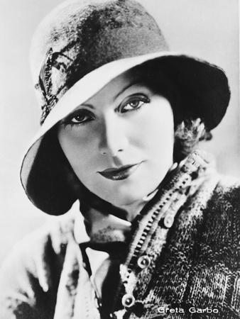 Greta Garbo Classic Outfit Portrait