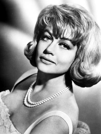 Dorothy Malone on a Pearl Necklace Leaning and posed