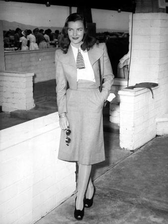 Ella Raines standing in Classic
