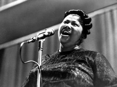 Mahalia Jackson singing in Classic