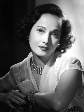 Merle Oberon on a Lace Top and Leaning