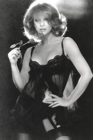 Ann Margret wearing a Black Sleeping Dress in Classic