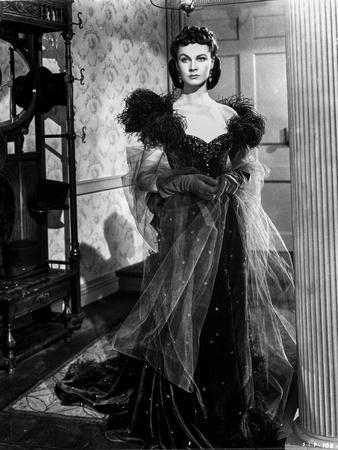 Vivien Leigh in Elegant Black Gown