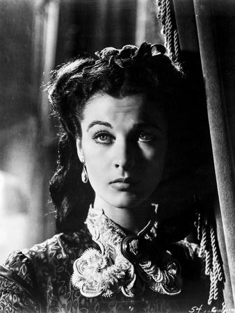 Vivien Leigh in Dress Black and White Portrait