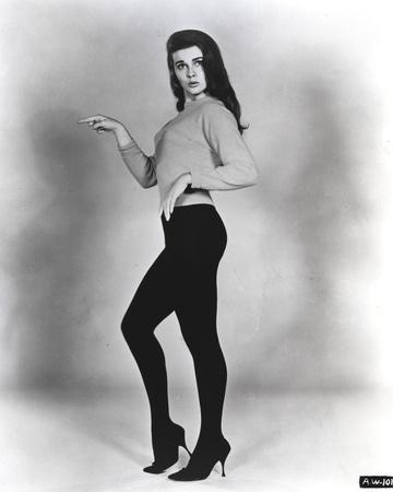 Ann Margret wearing a Shirtdress and a Tight Pants in Classic