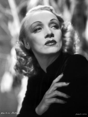 Marlene Dietrich Posed in Black Coat with One Hand on Shoulder
