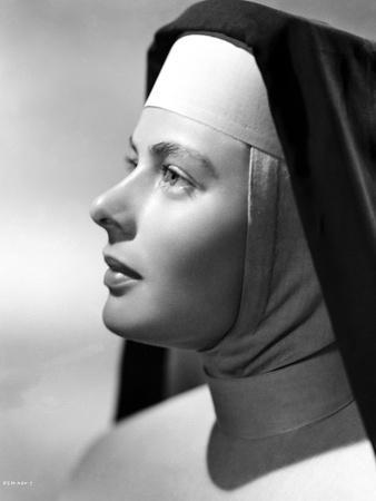 Ingrid Bergman in Sisters Outfit Black and White