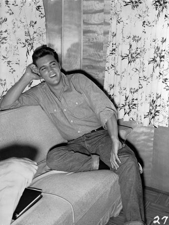 Elvis Presley Leaning on Bed Black and White