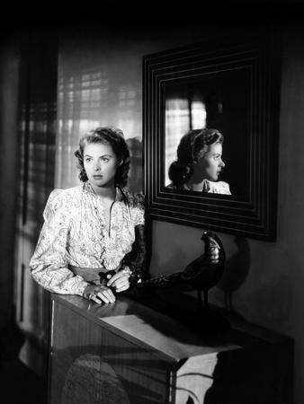 Ingrid Bergman wearing a Printed Blouse