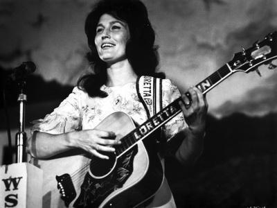 Loretta Lynn Playing Guitar in Classic