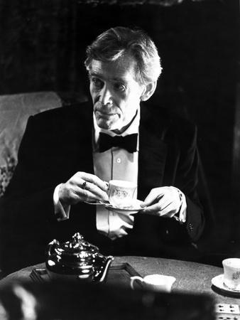 Peter O'Toole in Black Suit With Cap