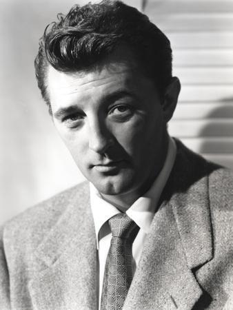 Robert Mitchum Posed in Suit and Tie
