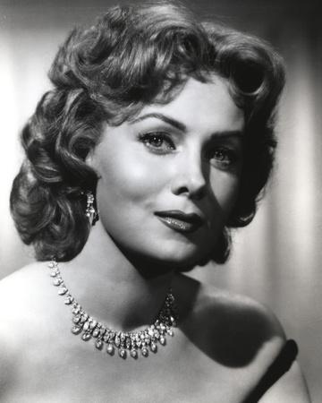 Rhonda Fleming smiling in Portrait