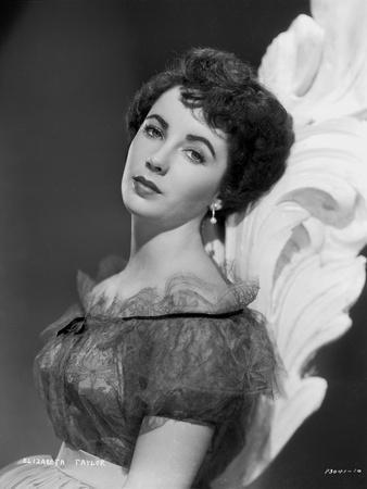 Elizabeth Taylor Leaning in Dress