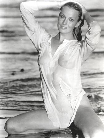 Bo Derek Posed in Wet Long Sleeves