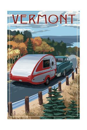 Vermont - Retro Camper on Road