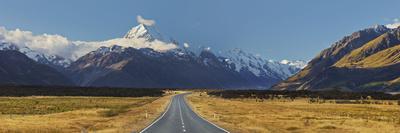 Aoraki, Mount Road Cook, Mount Cook National Park, Canterbury, South Island, New Zealand