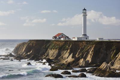Point Arena Lighthouse and Museum, Arena Rock Marine Natural Preserve, California, Usa