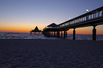 Germany, the Baltic Sea, Island Usedom, Heringsdorf, Beach, Pier, Morning Mood