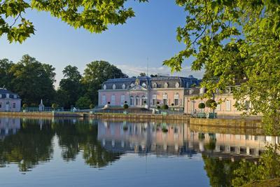 Germany, Rhineland, Dusseldorf, Benrath Palace, Castle Pond