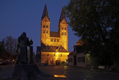 Germany, Hessen, Northern Hessen, Fritzlar, Cathedral, Bonifatius Monument, at Night