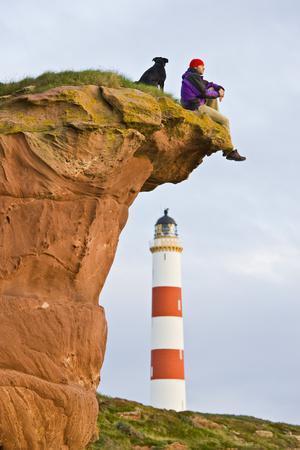 Great Britain, Scotland, Tarbat Ness, Lighthouse, Rock, Man, Dog, Sit