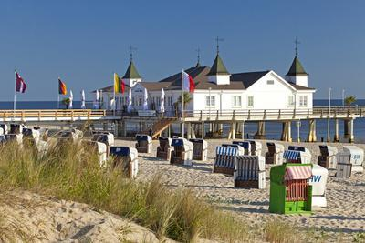Germany, Western Pomerania, Island Usedom, Seaside Resort Ahlbeck, Pier, Beach Chairs