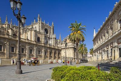 Spain, Andalusia, Seville, Cathedral, Street, Horse-Drawn Carriage