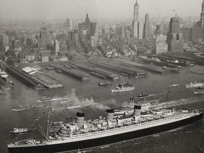 The Queen Mary Arriving in New York 1936