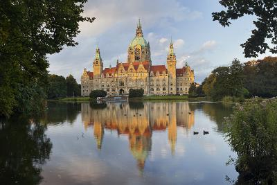 New Town Hall, Maschteich, Machpark, Hanover, Lower Saxony, Germany