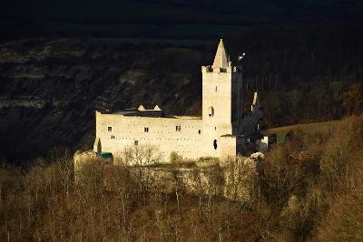 Germany, Saxony-Anhalt, Naumburg, Bad Kšsen, Ruin Rudelsburg in the Evening Light