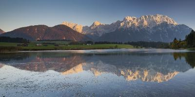 Germany, Bavaria, Northern Karwendel Range, Narrow Lake