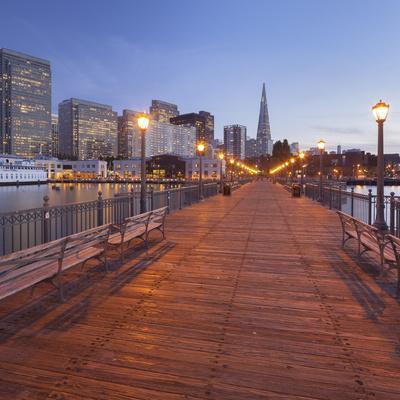 Pier 7, Transamerica Pyramid, Financial District, San Francisco, California, Usa