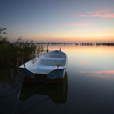 Germany, Mecklenburg-West Pomerania, Island RŸgen, Gro§er Jasmunder Bodden, Sunset, Rowing Boat