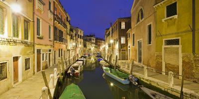 Italy, Veneto, Venice, Dorsoduro, Rio Delle Eremite, Evening