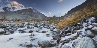Switzerland, GraubŸnden, Val Roseg, Piz Roseg, Brook, Stones