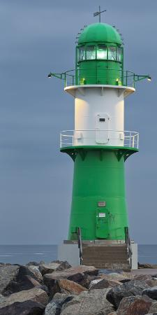 Lighthouse of WarnemŸnde, Wast Mole (Jetty), Mecklenburg-Western Pomerania, Germany