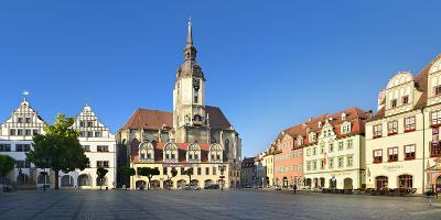 Germany, Saxony-Anhalt, Naumburg, Town Houses and Wenzelskirche on the Marketplace