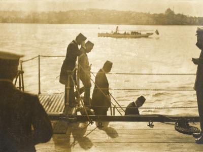 Sultan Mehmed Vi Leaving the HMS Superb