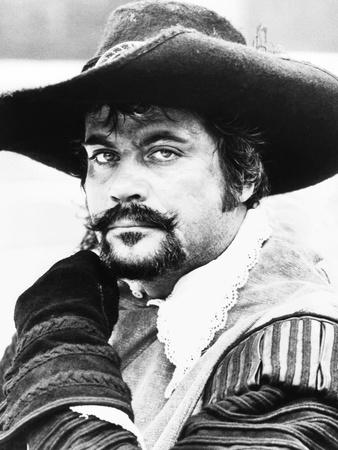 The Four Musketeers, Oliver Reed, 1974