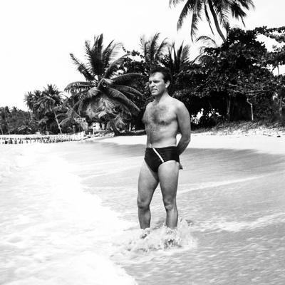 Sea Wife, Richard Burton, on Location, 1957