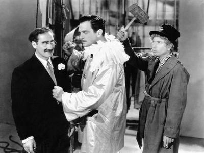 A Night at the Opera, Groucho Marx, Walter Woolf King, Harpo Marx, 1935