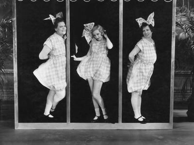 The Hollywood Review of 1929, from Left: Marie Dressler, Bessie Love, Polly Moran, 1929
